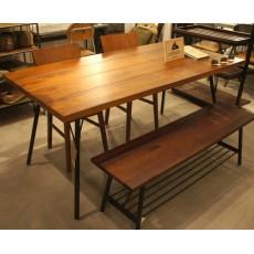 B.S.A. Vintage 餐桌